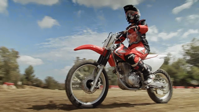 Girls Learn to Ride Dirt Bikes - RideApart