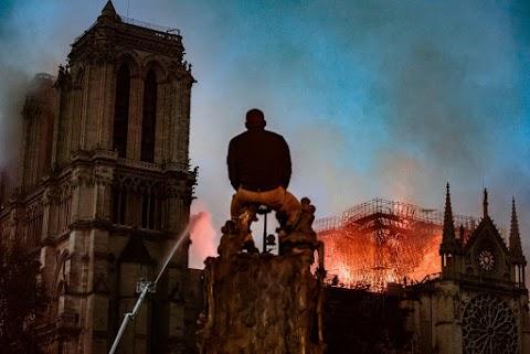 Notre-Dame - Putyin orosz restaurátorok segítségét ajánlotta fel Macronnak a helyreállításhoz
