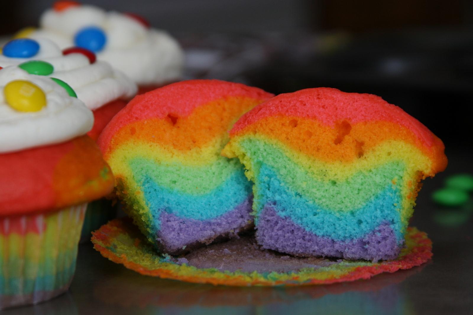 Color Rainbow Cake