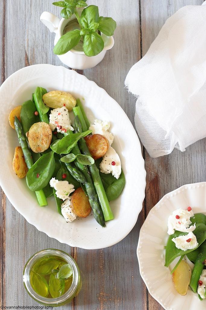 Asparagi, spinacini e mozzarella
