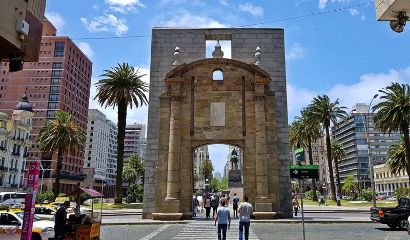 Puerta de La Cidadela, Ciudad Vieja Montevidéu