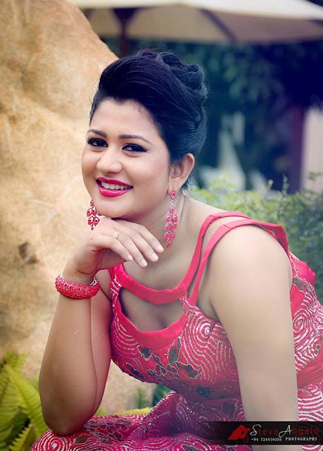 http://photo.lankahotnews.co.uk/2014/12/ruwangi-rathnayake-new-photo-shoot.html
