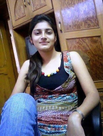 Real desi girl pic. sweet Indian real girl photo
