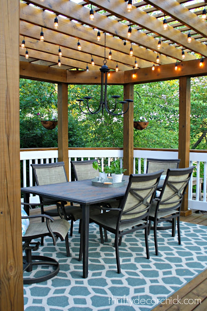 outdoor dining area on deck