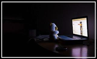 Cara Agar Layar Komputer/Laptop nyaman di mata di tempat gelap