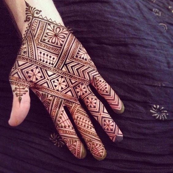 20 Latest And Modern Henna Mehndi Designs For All Occasions  Bling Sparkle