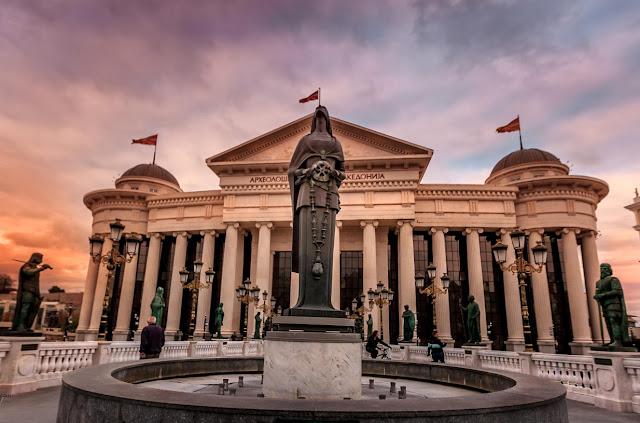 Θα εντάξουν τα Σκόπια στο ΝΑΤΟ με την ονομασία FYROM;