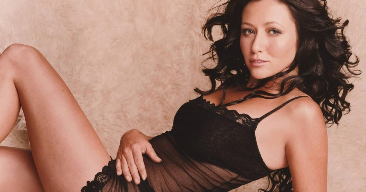 New Celebrity Height Shannen Doherty Hot Pictures