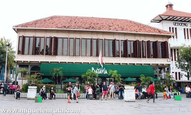Cafe-Batavia-Yakarta
