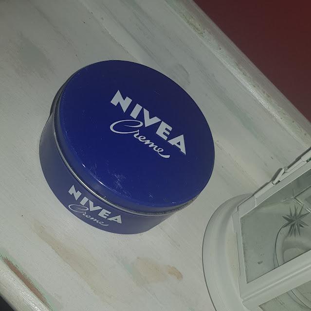 """Crema universal de Nivea, ¿qué usos le doy"""""""