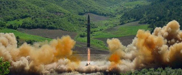 كوريا الشمالية تطلق صاروخها الباليستي الثاني