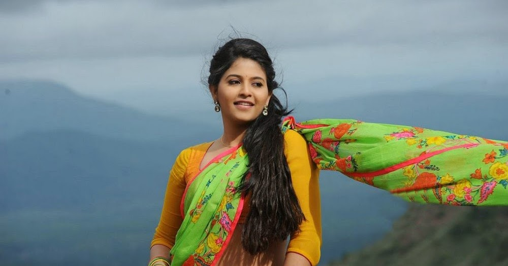 Actor Anjali Photos: Anjali Latest Glam Photos From Geethanjali Movie