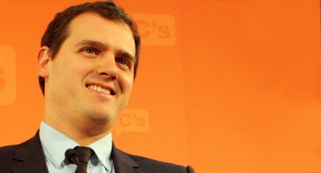 Albert Rivera se gana un ZASCA en Twitter con su populismo
