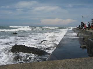 Dermaga Pantai jayanti
