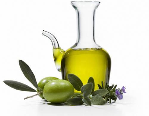 Cách trị mụn ở lưng bằng dầu oliu