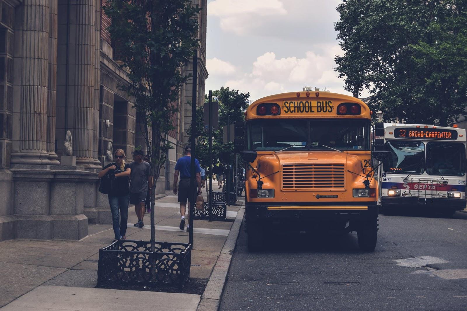 Czy warto wysyłać dzieci na wycieczki szkolne?