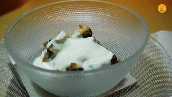 Crumble de ruibarbo con crema inglesa en L´Artisan Furansu Kitchen Madrid