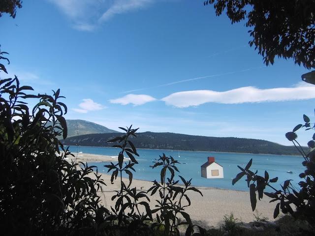 Trafic d'image, lac de sainte croix , malooka