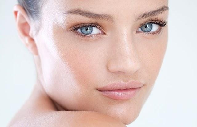 Yüz Yogası İle Harika Görünümlü Elmacık Kemiklerine Ulaşın