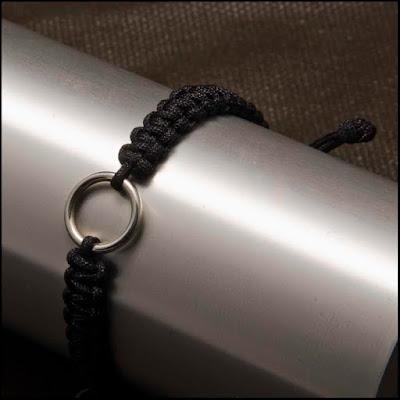 Pulsera aro de plata trenzada a mano. Joyería Artesanal personalizada