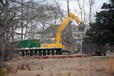 The Mad Hatter / Turtle Bay night club in Stony Brook, Long Island being demolished January 20, 2016