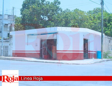 Encargada de una tienda es salvada fortuitamente por clientes de ser víctima de abuso sexual, en la colonia Ejido de Playa del Carmen