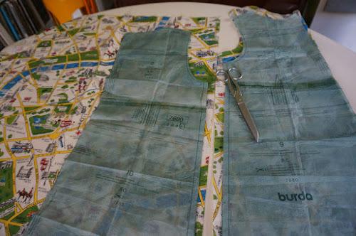 burda 7680 pattern london map fabric sleeveless dress aline sew