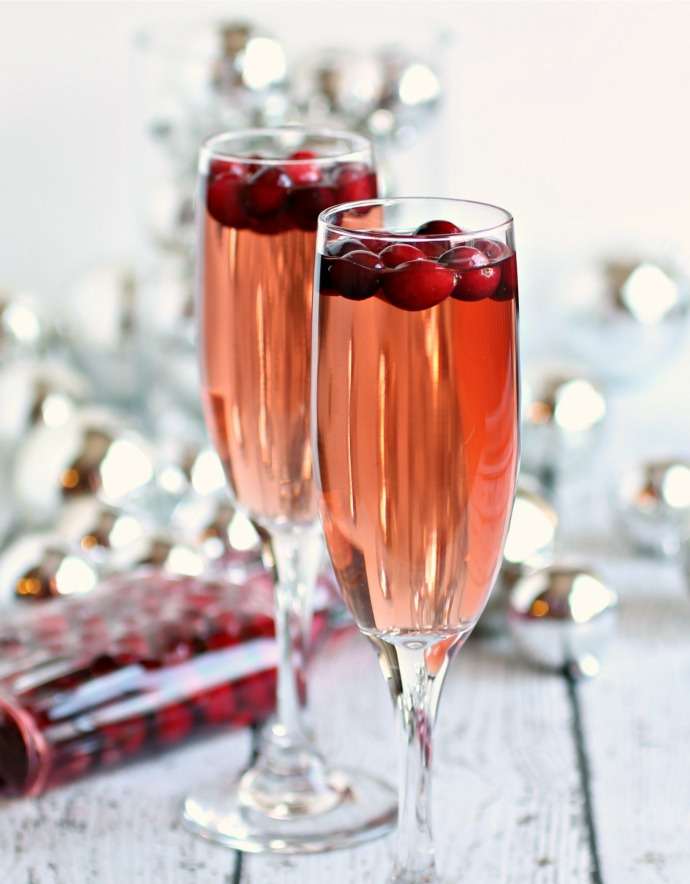 10 Next Level Cocktail to Take You Through the Holidays in Style!