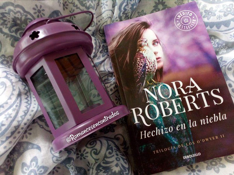 Portada del libro Hechizo en la niebla de la autora Nora Roberts