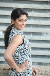 Telugu Television Actress Karuna Latest Pos In Denium Jeans  0038.JPG