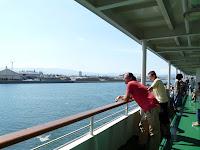 直江津港を出発する佐渡汽船のフェリー