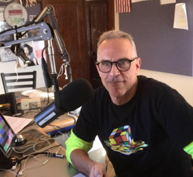 Radio host resigns after being asked not to criticize president Trump