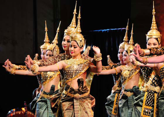 cambodian-dance-based-on-Ramayana