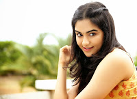 Adah sharma Latest Glamorous Photo HeyAndhra