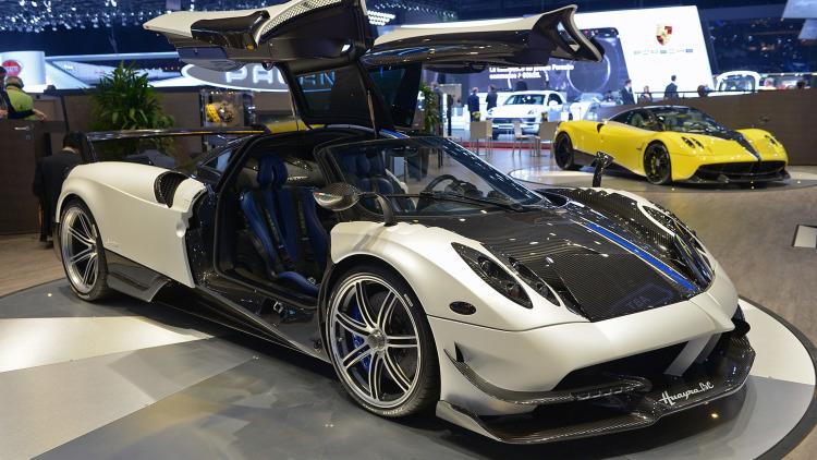 mobil keren  Mobil Sport Termahal yang Dijual Secara Umum Saat Ini Pagani 2BHuayra 2BBC 2BClayton88