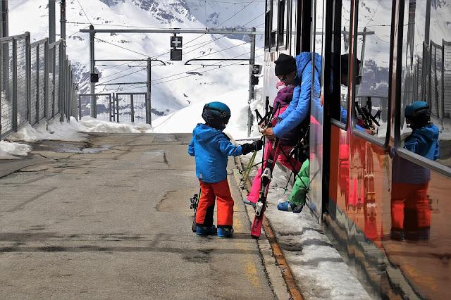 Zabawy dla dzieci – jak urozmaicić dziecku podróż?