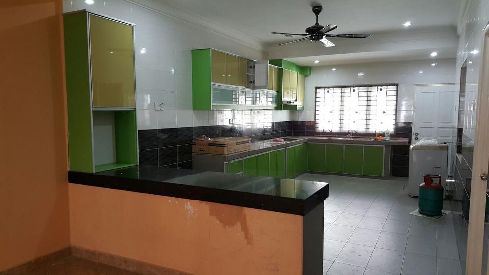 Tu Dia Kabinet Dapur Rumah Doktor Khalid Dengan Menggunakan Material 3g Gl Warna Hijau Memang Cun Melecun La Semangat Nak Memasak Ni Kebiasaan Nye