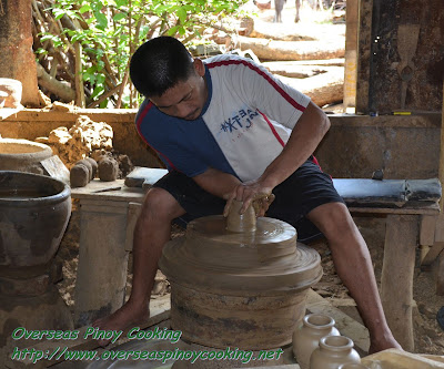 Pagburnayan; A potter at work