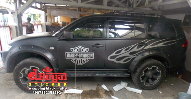 wrapping mobil hitam