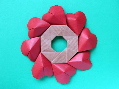 Origami, Ghirlanda di cuori - Garland of hearts by Francesco Guarnieri