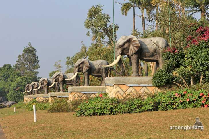 kampung gajah wonderland parongpong bandung