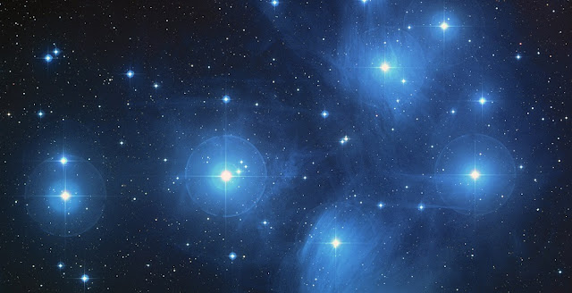 A color composite image of the Pleiades from the Digitized Sky Survey. Credit: NASA/ESA/AURA/Caltech