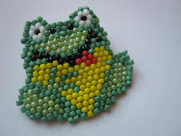 Урок плетения из бисера: мозаичное плетение и кирпичный стежок
