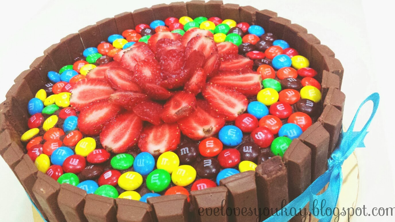 Eve Tan DEATH by Chocolate Kit Kat MM Cake