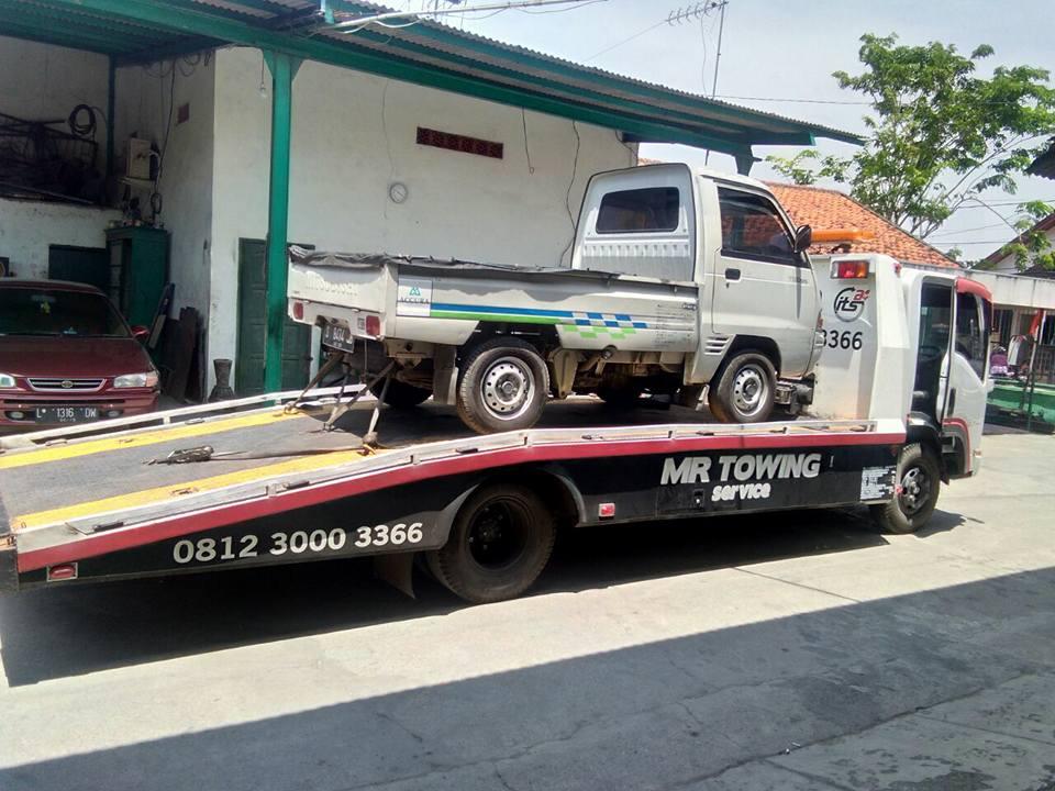Jasa Derek Mobil Mogok Surabaya