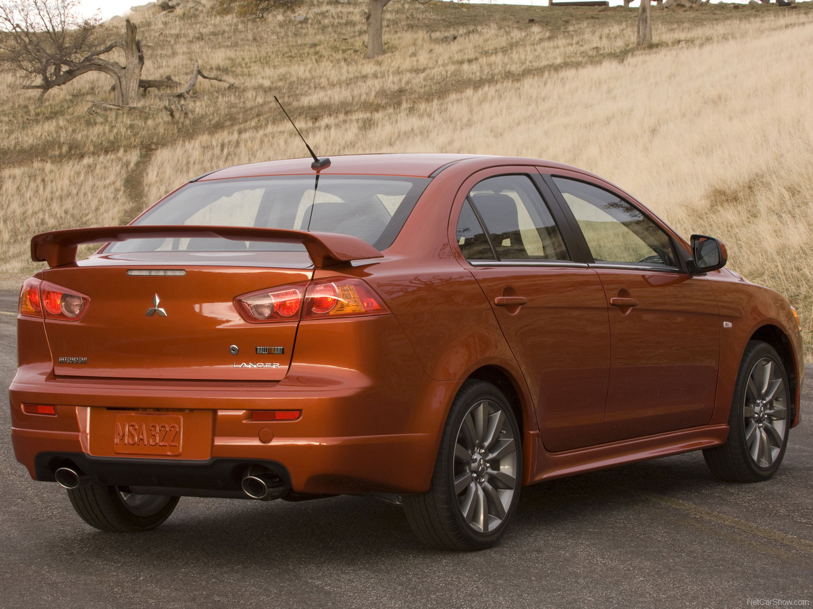 Sporty Car: Mitsubishi lancer ralliart