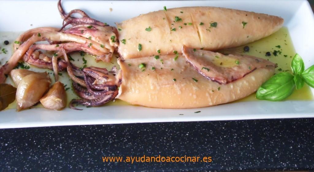 Cocinar Calamar | Ayudando A Cocinar Calamar En Aceite De Oliva