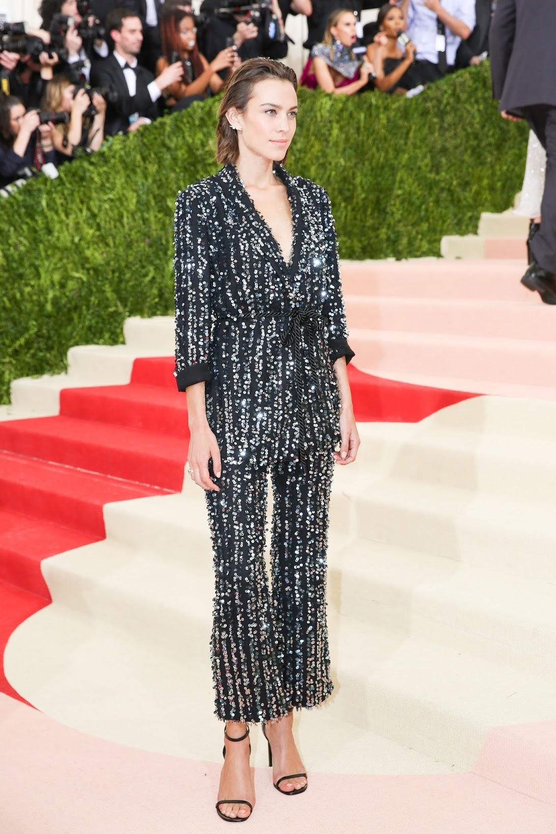 Best dressed at Met Gala 2016 | ManusXMachina, Alexa Chung Met Gala 2016 red carpet