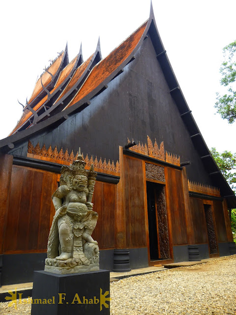 Chiang Rai Attractions: Black House