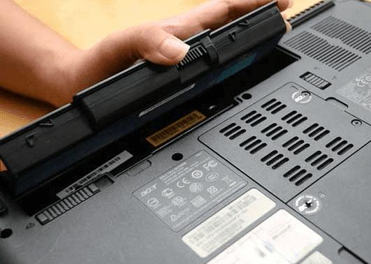 Bahaya Ngecas Hp Pakai Laptop
